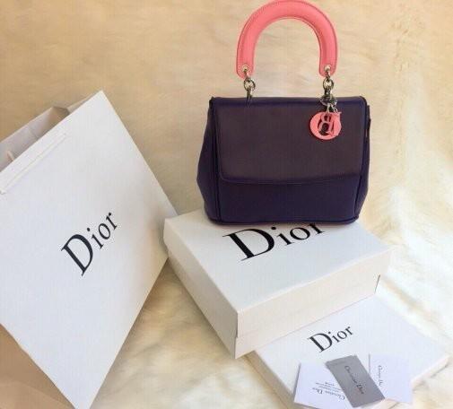 In túi giấy cho shop quần áo thương hiệu nổi tiếng