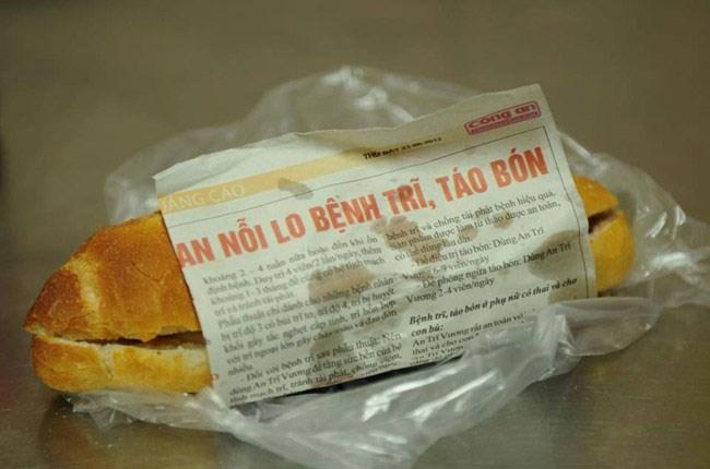 Sử dụng giấy báo gói bánh mì gây ảnh hương tới sức khỏe