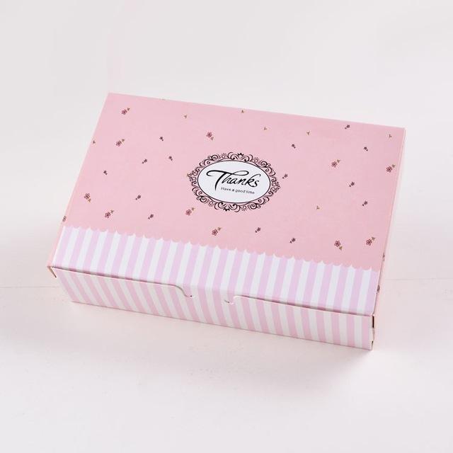thiết kế hộp giấy bánh kem